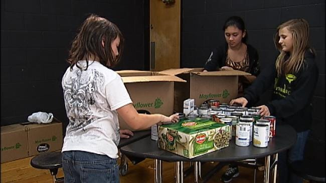Broken Arrow Students Collecting Food For Hungry