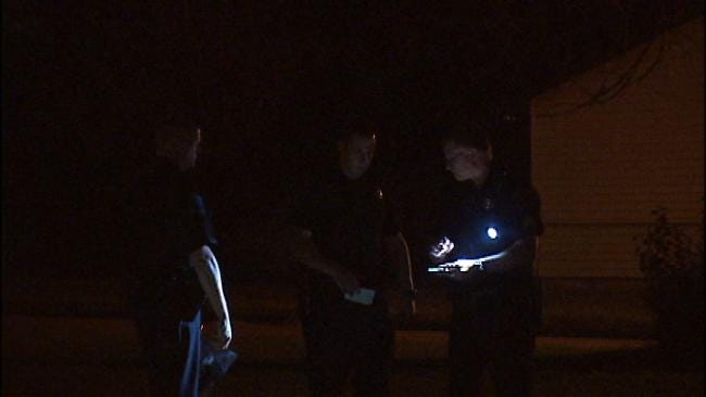 2 Men Brandishing Guns Invade Tulsa Home, Demand Money