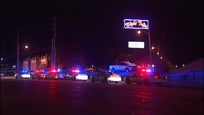 Three Injured In Tulsa Bar Fight At Night Trips
