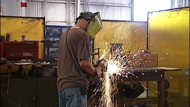 Hundreds Of Broken Arrow Manufacturers Looking To Hire