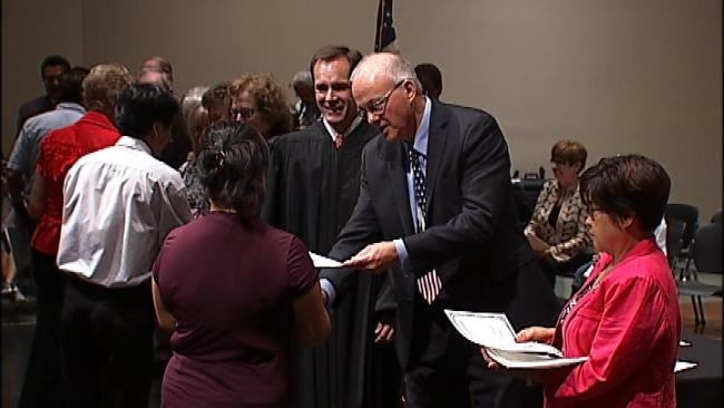 Tulsa Students Help Welcome New American Citizens
