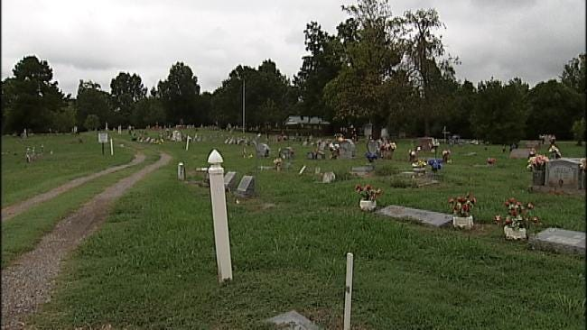 Thieves Targeting Wagoner County Gravesite, Family Says