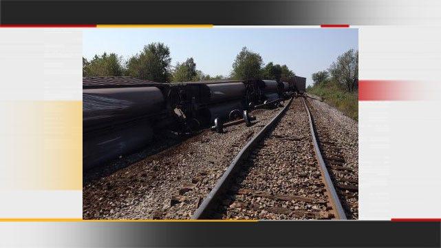 Coal Train Derails Near Oktaha