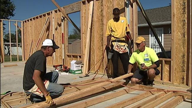 Cascia Hall Kids Build Home For Family In Need