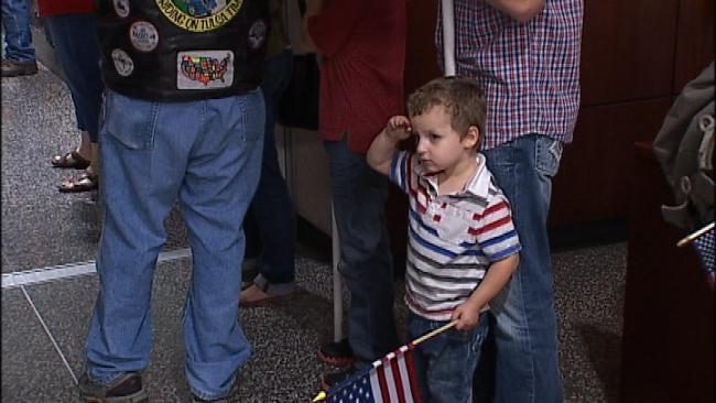 Oklahoma Veterans Return From Their Honor Flight To DC