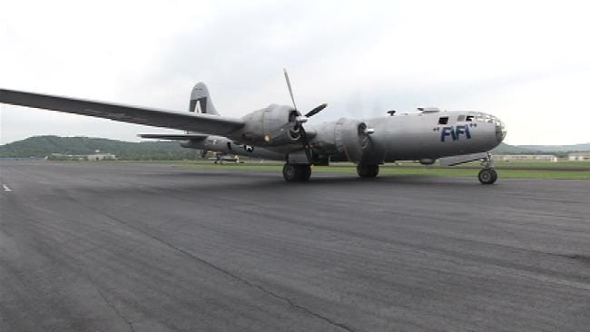 Air And Space Museum Hosts B-29 Superfortress, Food Trucks This Weekend