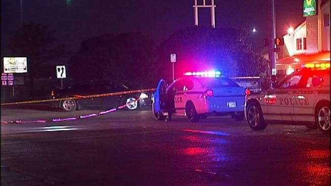 Pedestrian Struck As He Crossed Tulsa Street