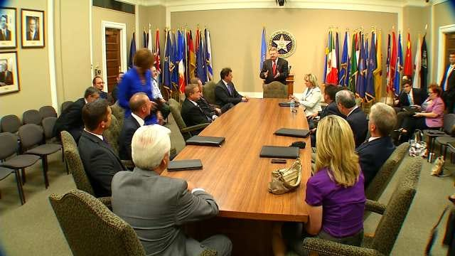 Governor Fallin Meets With Oklahoma Meteorologists