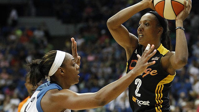 Cambage Leads Shock To Win Over San Antonio