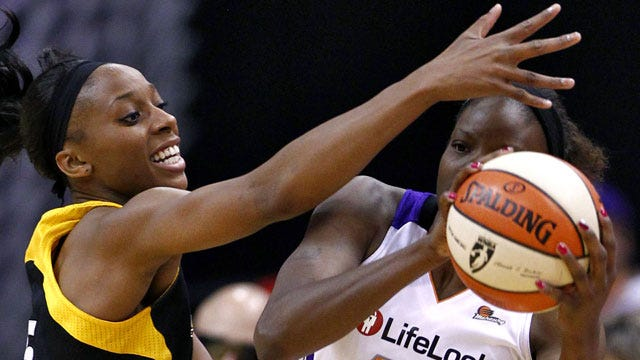 Shock Blows 19-Point Lead In Loss To Sparks