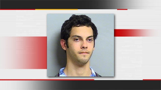 Tulsa Police: Man Arrested After Stealing Prescription Pills From Drug Store
