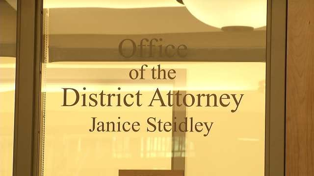 Parents Of Molested Girl Petition Grand Jury Over Actions Of Rogers County DA