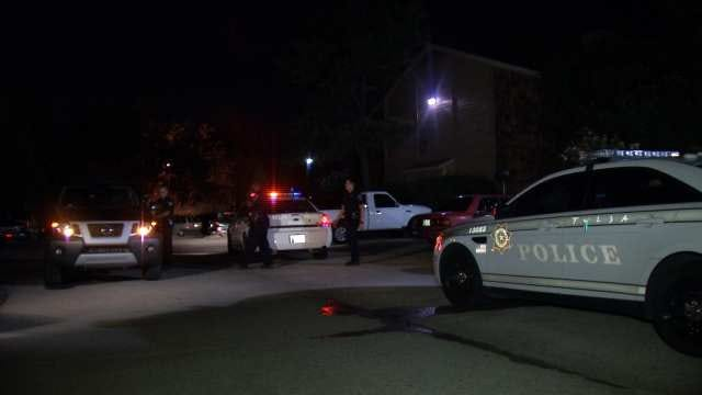 Two Men Robbed At Gunpoint Outside East Tulsa Apartment