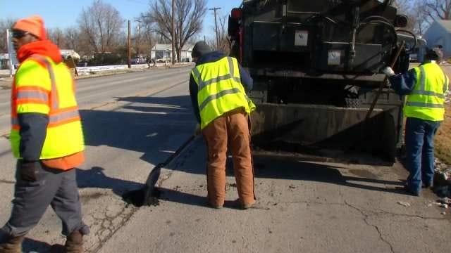 Tulsa Road Crews Finding Fewer Potholes Than Expected After Winter Storm