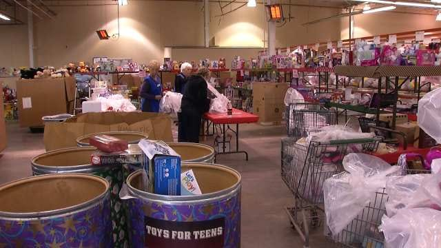 Salvation Army: Angel Tree Donations For 2,500 Kids Still Need To Be Returned