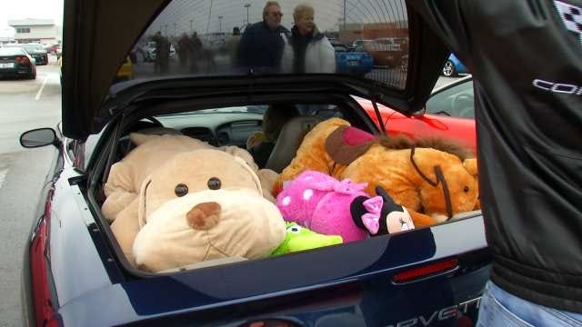 Tulsa Car Fans Collect Toys For Needy Kids