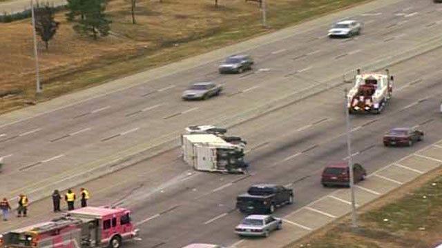 Tulsa Trash Truck Breaks Free From Wrecker, Rolls On Highway 169