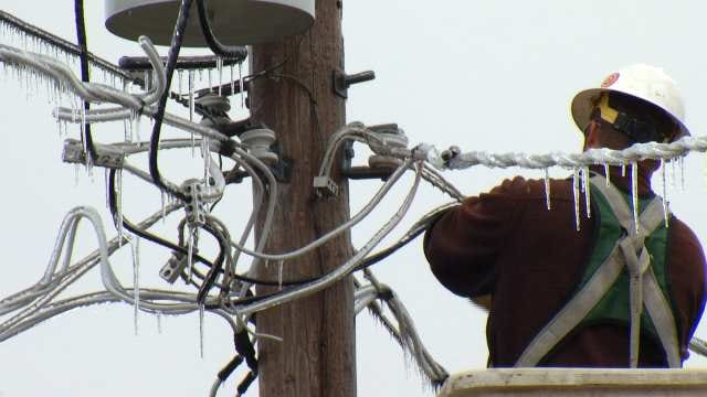 Crews Make Headway Restoring Power To Northeastern Oklahoma