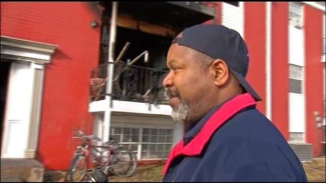 Tulsa Man Tells Of Narrow Escape From Apartment Fire