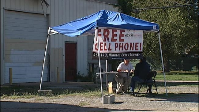 Oklahoma Congressman Attempts To End Subsidized Cell Phone Fraud