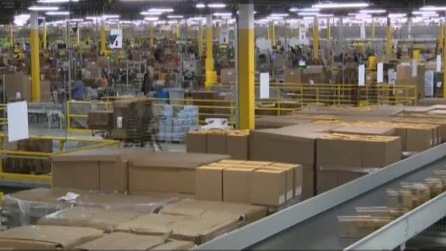 UPS, FedEx Scrambling To Deliver Late Christmas Packages