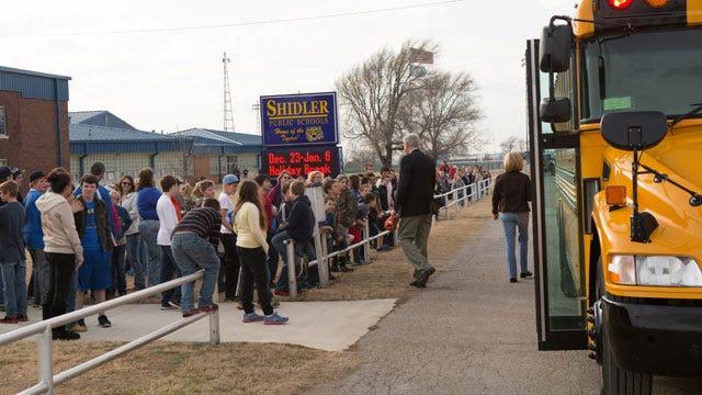 Wind Farm Developer Donates Two School Buses To Shidler Schools