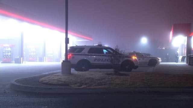 Man Punches, Robs Woman Outside Tulsa QuikTrip