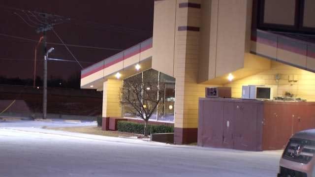 Gunshot Victim Shows Up At Front Door Of Tulsa Restaurant