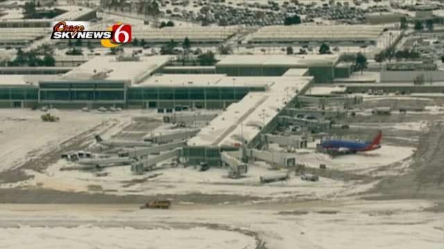 Snow Affects Few Flights At Tulsa International Airport