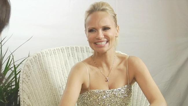 Kristin Chenoweth Complains Of Bad Treatment On American Airlines