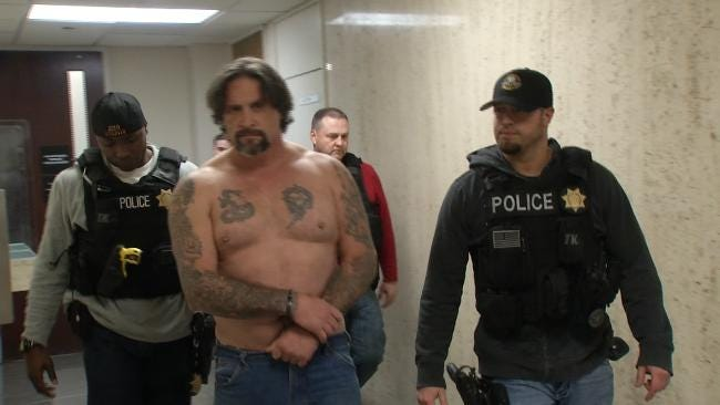 Police: Prison Escapee Found In Tulsa With Ex-Stepdaughter-Turned-Girlfriend