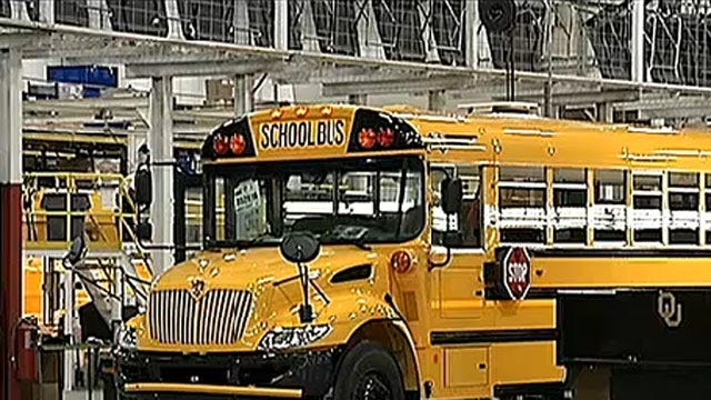 Tulsa Bus Plant Workers Vote To Join UAW