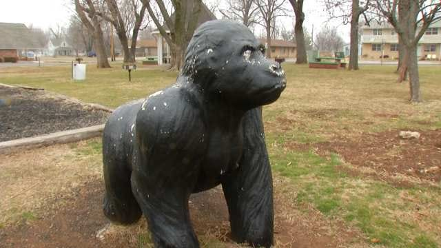 Oologah Residents Leap To Defense Of Gorilla