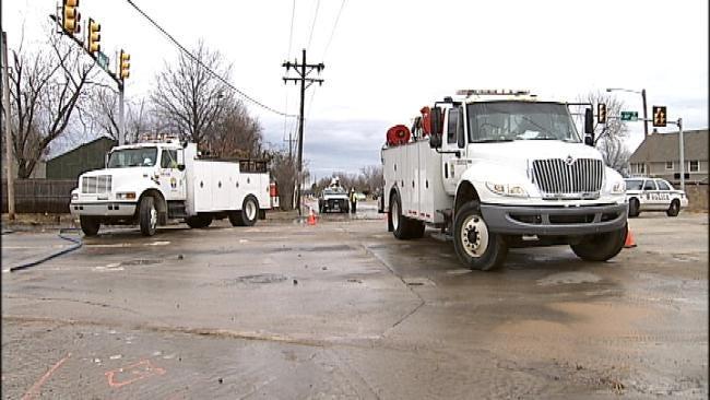 City Of Tulsa Working To Repair Water Line Break At 41st And Mingo