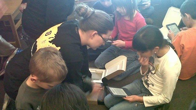 Amazon Gives Kindles To Coffeyville, Kansas Elementary School