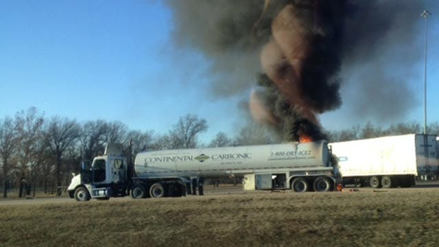 Truck Fire Closes I-40 In Sequoyah County