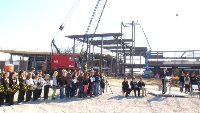 Broken Arrow High School Celebrates Topping Out Of New Building