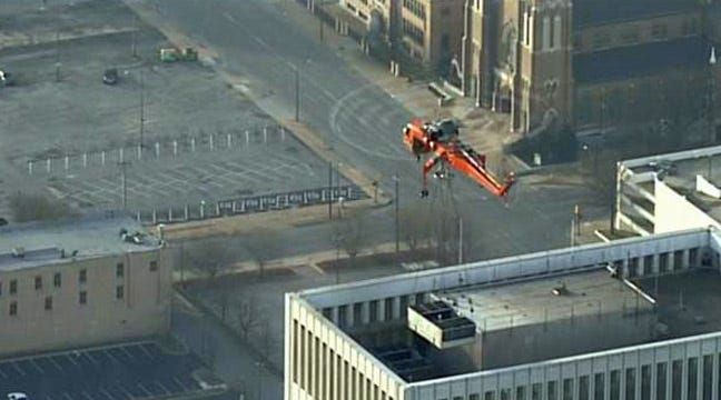 Huge Skycrane Replaces Cooling Tower In Downtown Tulsa