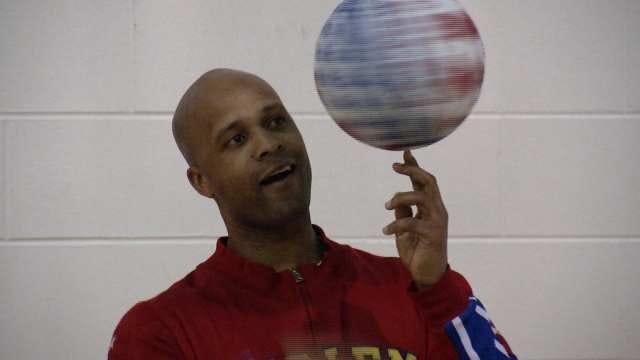 Harlem Globetrotter Shows Tulsa Kids Skills To Stop Bullying