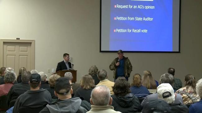 Sallisaw Residents Gather To Criticize Police Chief's Punishment
