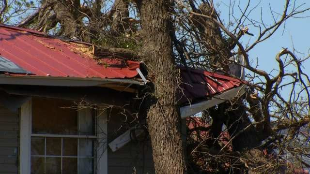 Shawnee Tornado Victims Begin To Pick Up Pieces