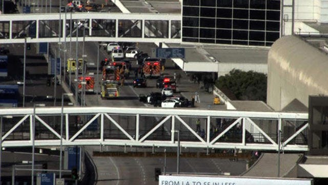 Suspected Gunman In Custody At Los Angeles Airport