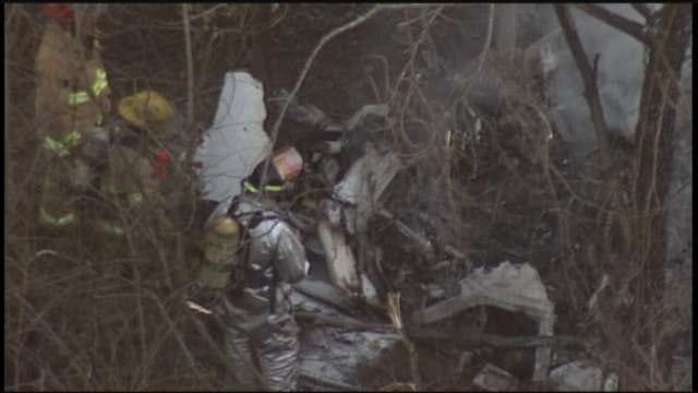 At Least 1 Dead After Twin-Engine Plane Crashes In Owasso Field