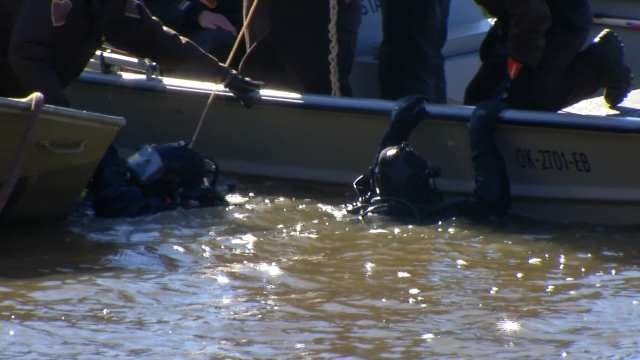 OHP Dive Teams To Recover Sunken Cars In Rogers County