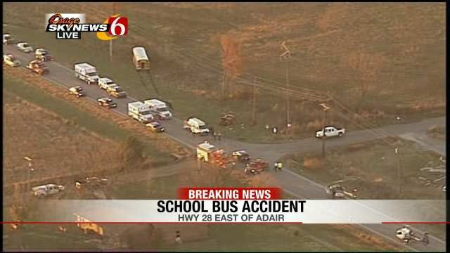3 Teens Injured When Jeep Collides With School Bus In Mayes County