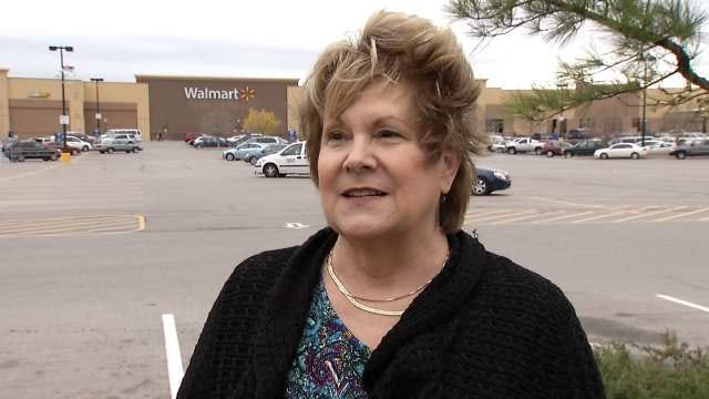 Woman Says She Caught Man Exposing Himself In Tulsa Walmart