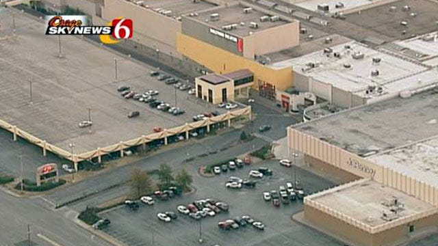 Black Friday Brings Out Bargain Hunters