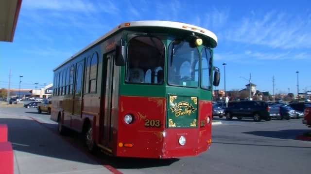 'Holly Trolley' Offers Free Rides For Owasso Shoppers