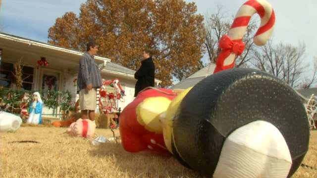 Camera Catches Midtown Christmas Vandals In Act