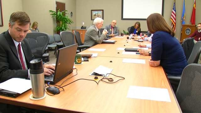Voters To Decide Whether To Give Tulsa City Councilors A Raise